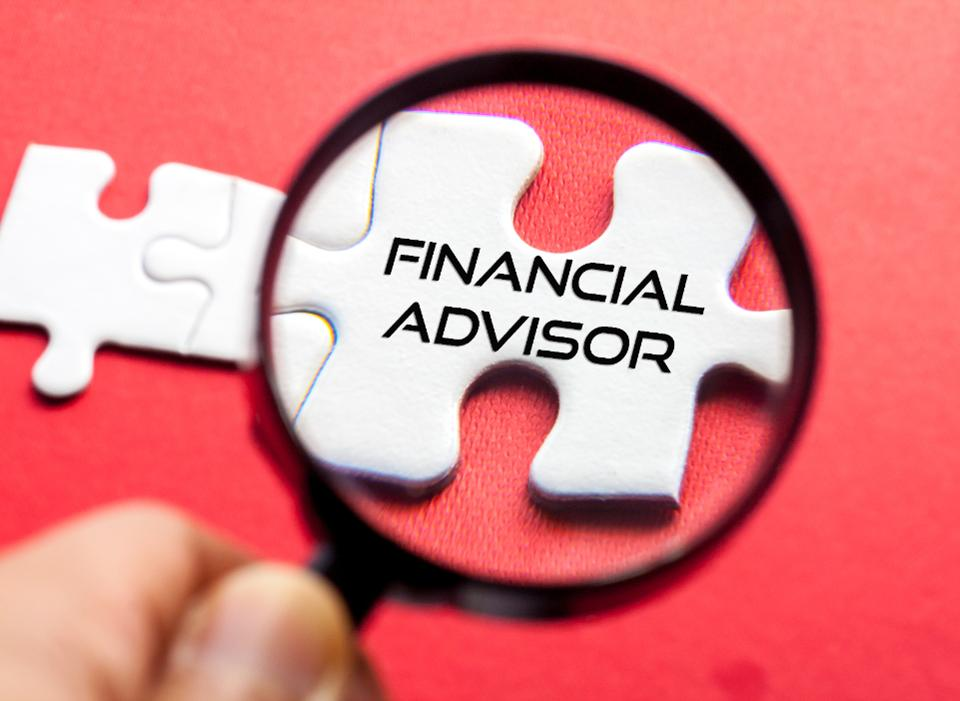 Financial Advisor and Independent Trader Examined